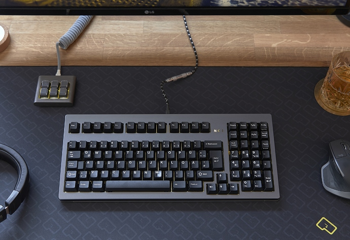 DeskCollection_TX1800v2